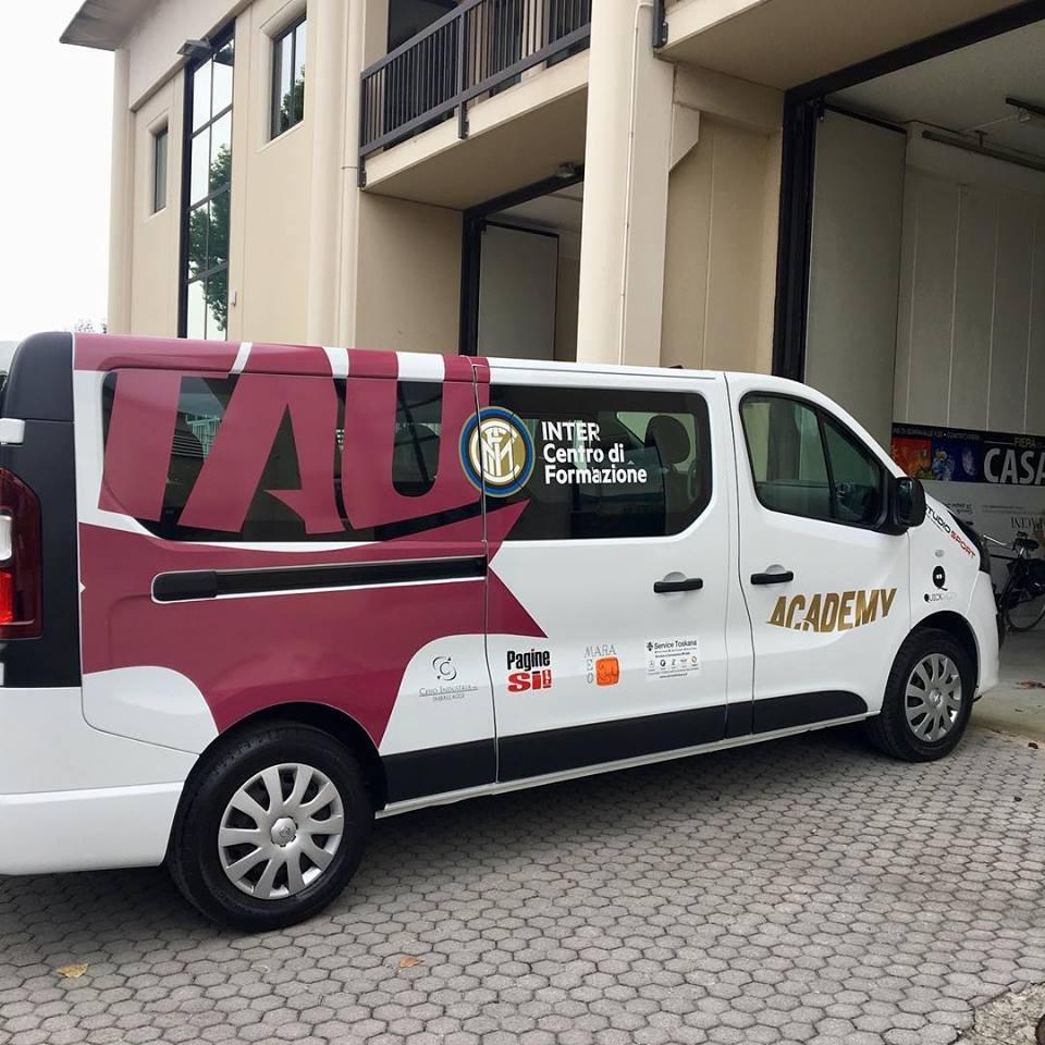adesivi per veicoli Pistoia - Scuffi Pubblicità - Tau